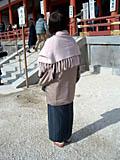 着物後ろ姿 平安神宮の前で