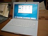 MacBook 開いた状態