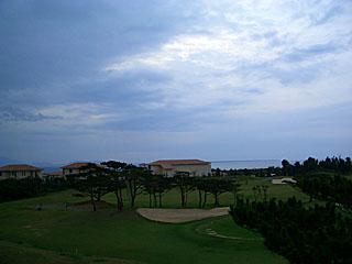 沖縄の梅雨空